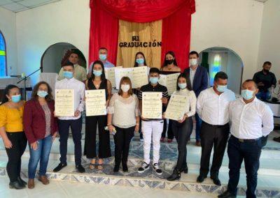 Universidad de Manizales realizó ceremonia de grados del Técnico Profesional en Producción Pecuaria en corregimiento de Encimadas